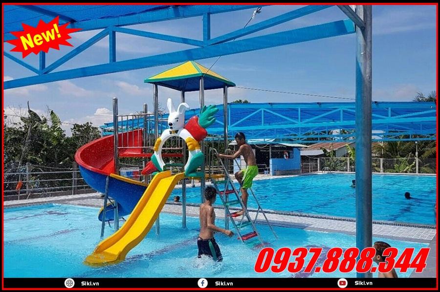 Cầu trượt hồ bơi trẻ em khoảng độ tuổi bao nhiêu có thể sử dụng?